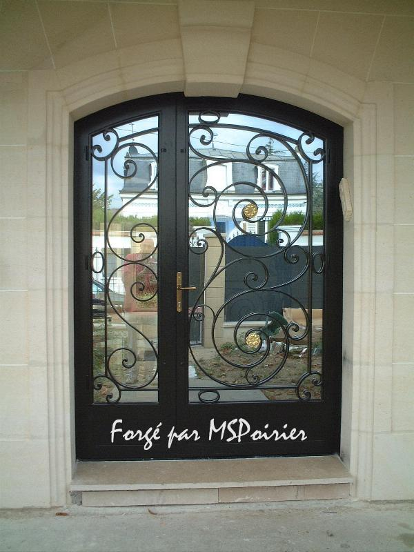 Porte en fer forg mod le louis xvi cr ation ms poirier for Porte metallique exterieur
