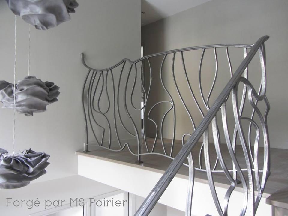 La ferronnerie surr aliste rampe d 39 escalier en fer forg moderne contemporain design for Rambarde fer forge